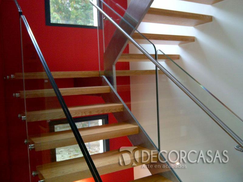 Escaleras escaleras de madera per escaleras revestidas for Escalera de metal con descanso