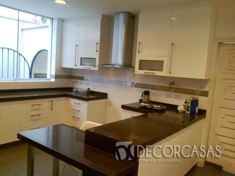 Colores de muebles de cocina modernos idea creativa for Muebles de cocina basicos