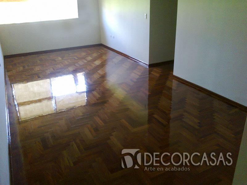 Pisos de parquet pisos de madera piso de parquet natural for Zocalos de madera para pisos