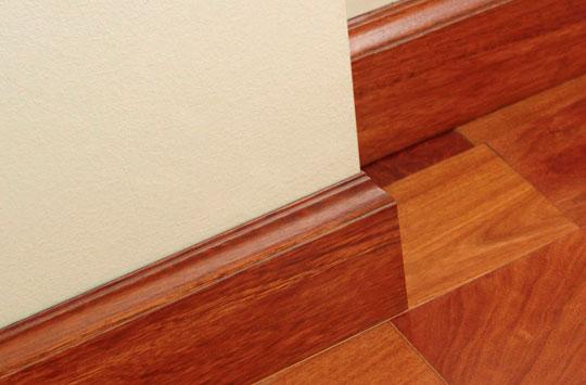 Z calos de madera z calos laminados for Zocalos de madera